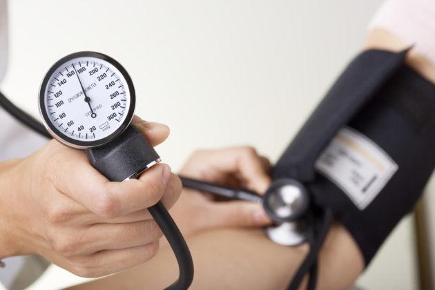 Из-за повышения артериального давления часто закладывает уши