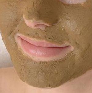 Чем может быть вызвано шелушение и покраснение кожи вокруг рта