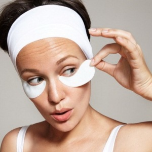 Патчи — действенное средство для омоложения кожи вокруг глаз