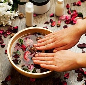 Почему возникает шелушение кожи на ладонях рук и как быстро избавиться от проблемы?