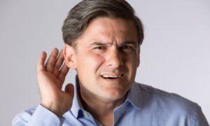 Несвоевременное лечение отита среднего уха может привести к глухоте