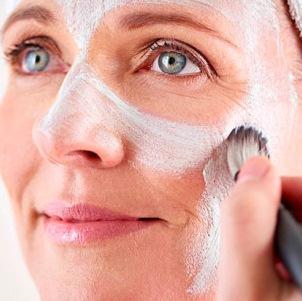 Эффективные маски для борьбы с морщинами после 60 лет