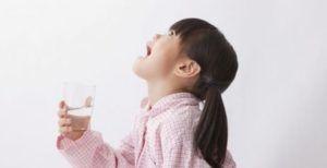 Полоскание эффективно при болезнях горла