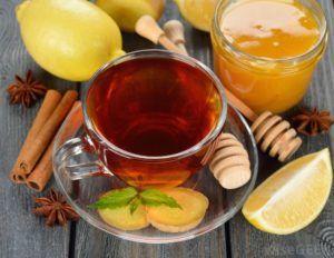 Чай с лимоном и имбирем хорошо защищает от появления кашля и насморка