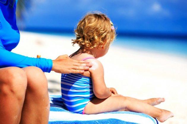 Использовать солнцезащитный крем УФ-защиты находясь на солнце для избегания рецедива