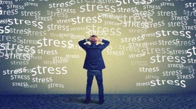 Стрессовые ситуации могут стать причиной заложенности уха