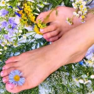 Виды, правила применения и отзывы о препаратах от грибка между пальцами ног