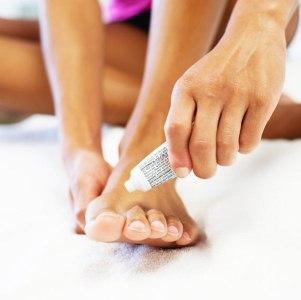 Особенности применения мазей от грибка на ногах