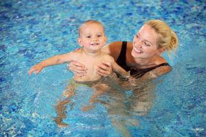 При аденоидах запрещено купаться в бассейне