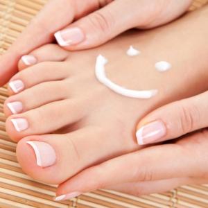 Причины возникновения, виды и методы лечения папилломы на ноге