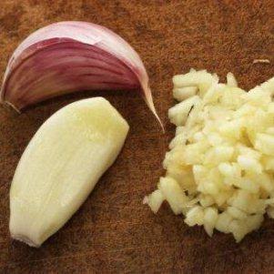 Чеснок для лечения папиллом: эффективные рецепты
